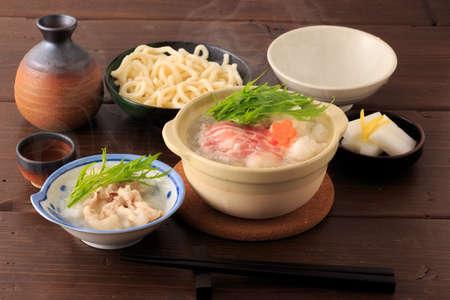 Gekookt vlees met geraspte Japanse witte radijs