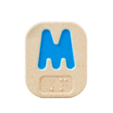 braille: M alfabeto sobre fondo blanco con Braille.