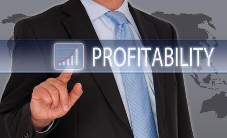 in aumento: Rentabilidad - hombre de negocios con curva de ingreso