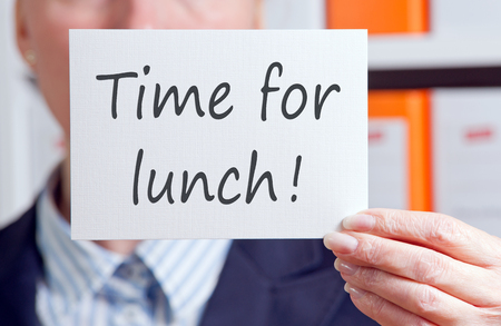 almuerzo: Tiempo para almorzar  Foto de archivo