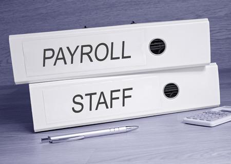 salarios: Nómina y personal - dos carpetas en la oficina