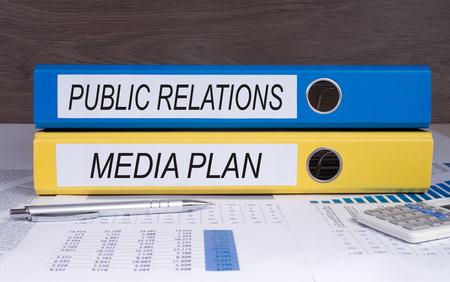 relaciones publicas: Relaciones públicas y plan de medios Foto de archivo