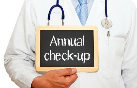 asthma: Chequeo anual - médico con la pizarra