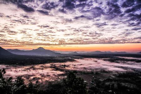 Fog Mountain in Thailand 版權商用圖片