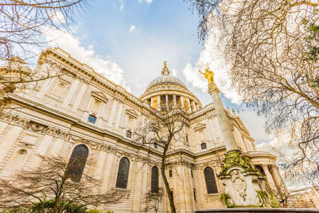 St Pauls Cathedral in London, UK 版權商用圖片 - 56598703