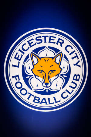BANGKOK, THAILAND -April 24, 2016: the logo of Leicester City football club on the billboard. 版權商用圖片 - 55837631