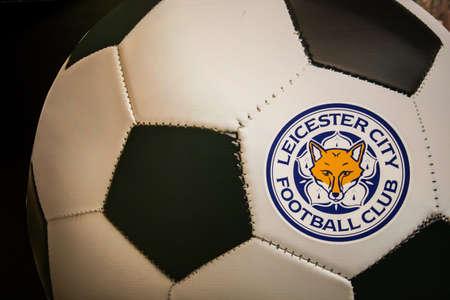 BANGKOK, THAILAND -April 24, 2016: the logo of Leicester City football club on the football. 版權商用圖片 - 55837629