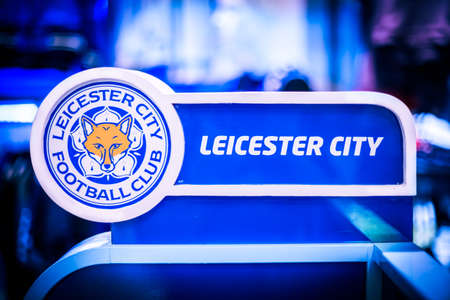 BANGKOK, THAILAND -April 24, 2016: the logo of Leicester City football club on the partition. 新聞圖片