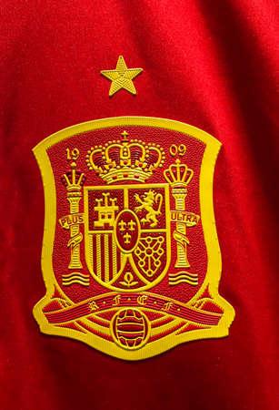 BANGKOK, THAILAND - June 9, 2016: The logo of Spain national football team on official jersey. 版權商用圖片 - 58009435