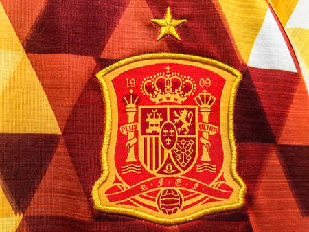 BANGKOK, THAILAND - June 19, 2016: The logo of Spain national football team on official jersey. 版權商用圖片 - 58695959