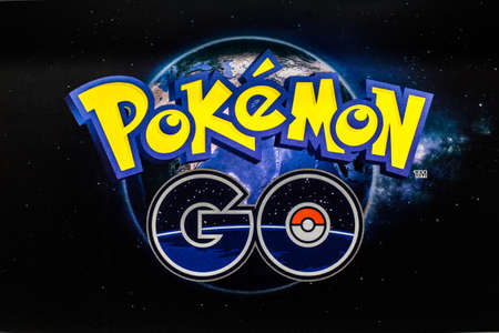Bangkok, Thailand - August 20, 2016:   Pokemon Go logo on paper. Pokemon Go is a free-to-play augmented reality mobile game developed by Niantic for iOS and Android devices. 版權商用圖片 - 61496772