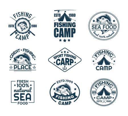 Satz von isoliertem Sportfischerei-Logo. Fisch auf dem Logo des Fischervereins. Angelcamp-Emblem mit Karpfen und Haken, Ruten und Zelt. Symbol für natürliche Meeresfrüchte. Fangen und Hobby, Unterwasserwelt, nautisches Thema Logo