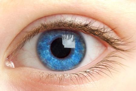 人間の目。マクロ撮影. 写真素材 - 1413587