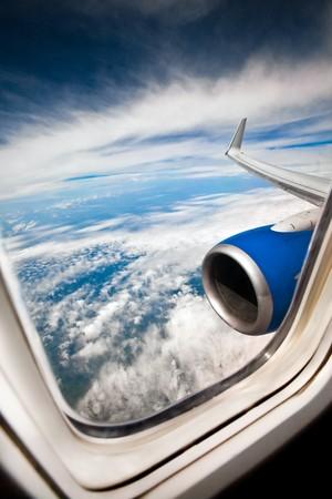 aerial: Classica immagine attraverso la finestra aeromobili a motore jet