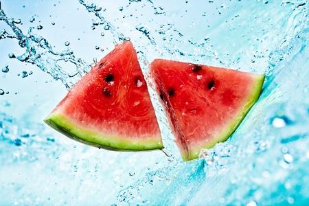 Frisches Wasser Splash auf red watermelon Standard-Bild - 9166257