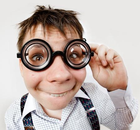 persoon dragen van een bril in een kantoor bij de dokter