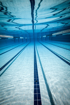 swimming race: swimming pool under water ...