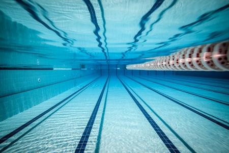 zwembad onder water ... Stockfoto