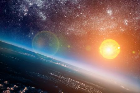 宇宙の太陽の写真
