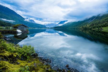 Piękna przyroda Norwegia naturalny krajobraz.