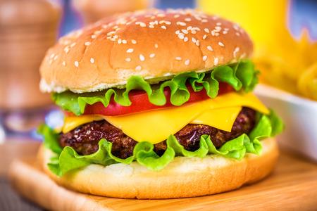 burguer: Sabrosa y apetitosa hamburguesa hamburguesa