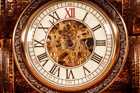 Marcación Reloj antiguo de cerca. Reloj de bolsillo de la vendimia.