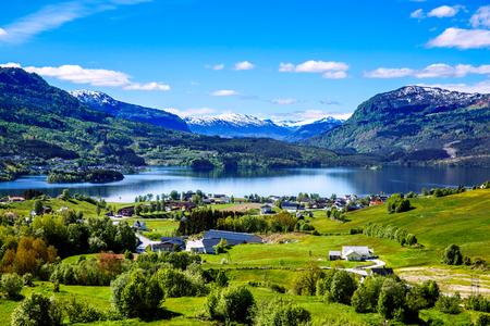 Hermosa Naturaleza Noruega paisaje natural.