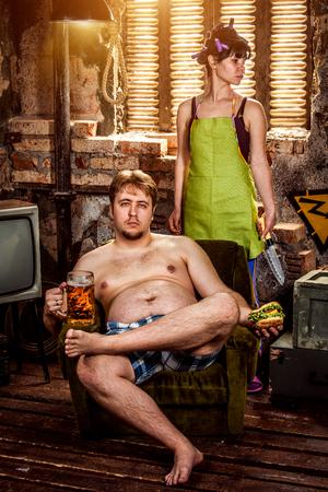 convivencia familiar: Vida familiar. El esposo y la esposa del retrato.