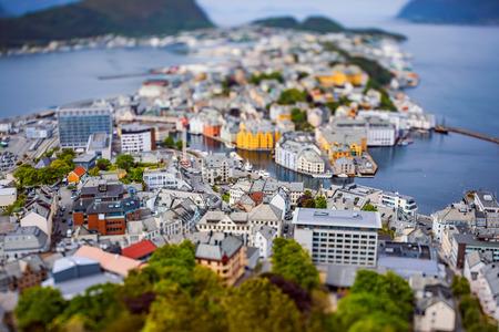 Aksla in de stad Alesund tilt-shift lens, Noorwegen, Stockfoto