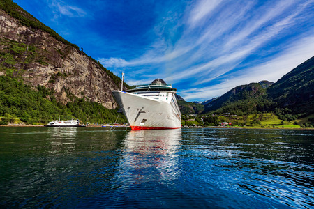 Cruise Ship, Cruise Liners On Geiranger fjord, Norway. 写真素材 - 125020150