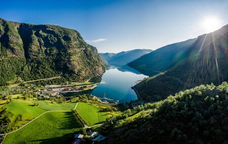 Aurlandsfjord Town Of Flam at dawn. Beautiful Nature Norway natural landscape. 写真素材 - 128817235
