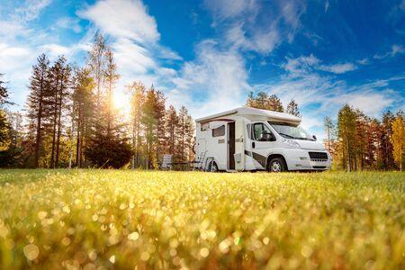 Family vacation travel RV, holiday trip in motorhome, Caravan car Vacation. Standard-Bild