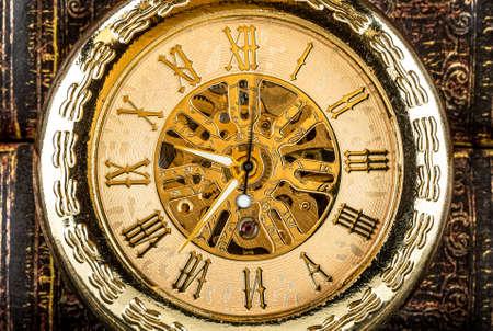 Antique clock dial close-up. Vintage pocket watch. Stockfoto