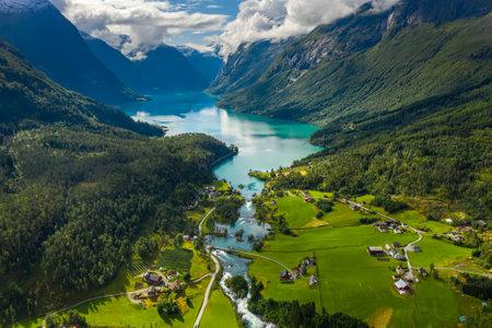 Beautiful Nature Norway natural landscape. lovatnet lake Lodal valley. Standard-Bild
