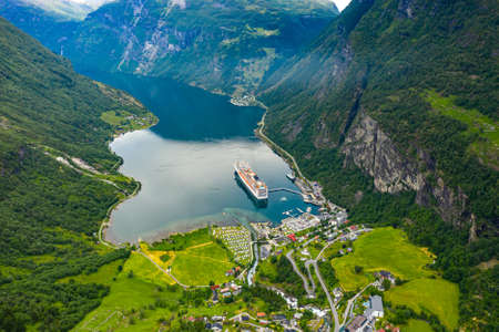 Geiranger fjord, Beautiful Nature Norway. The fjord is one of Norway's most visited tourist sites. Geiranger Fjord Standard-Bild