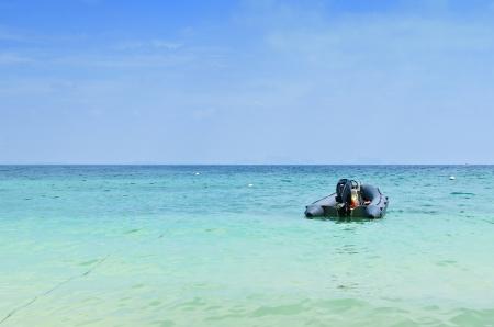 inflatable rubber boat at koh kradan,trang,thailand Standard-Bild