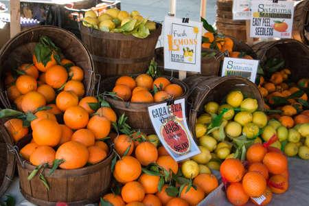 merchant: Citrus for sale at Farmers Market Stock Photo