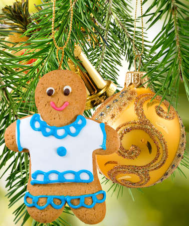ginger bread man: gingerbread on Christmas decorations  background