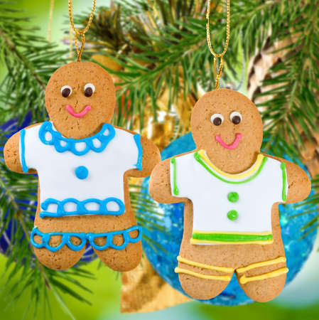 ginger bread man: gingerbread on Christmas decorations  background close-up