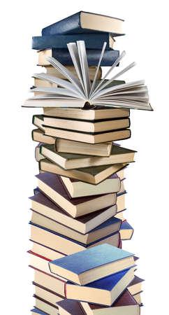 Imagen aislada de muchos libros sobre fondo blanco. Foto de archivo