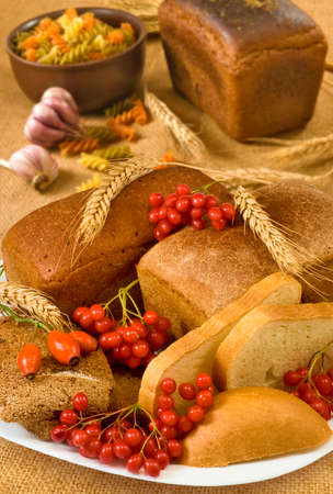 Image of a dish with bread and berries closeup.
