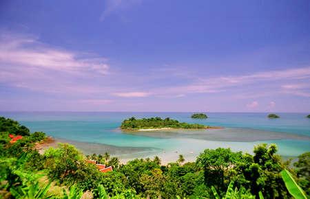 koh: Vista desde la isla de Koh Chang en Tailandia. Foto original escaneado de pel�cula.  Foto de archivo