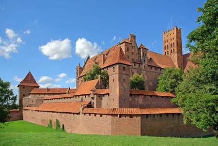 ufortyfikować: Medieval niemiecki zamek w Malborku. Zdjęcie Seryjne