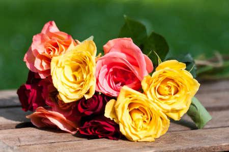 Blumenstrauß aus Rosen Standard-Bild - 15568926