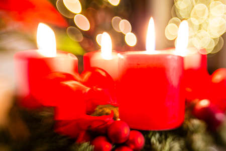 adventskranz: Adventskranz zum 4. Advent, advent wreath for 4. advent