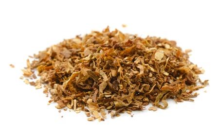 Pile von getrockneten Tabak isoliert auf weiß Standard-Bild