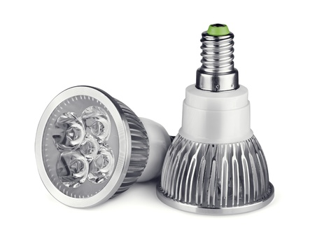 led lighting: Par de bombillas de luz LED aislado en blanco