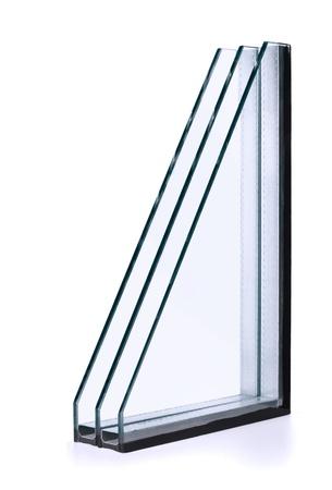 double cross: Finestre a triplo vetro isolante isolato su bianco