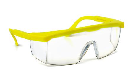 Plastic veiligheidsbril op wit wordt geïsoleerd Stockfoto