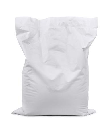 Witte plastic zak op wit wordt geïsoleerd